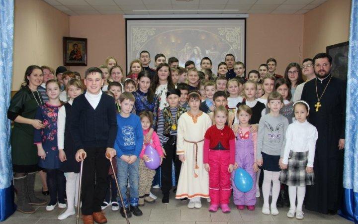 Рождественский утренник в храме Святых Новомучеников Церкви Русской