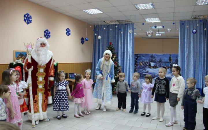 Рождественская ёлка для малышей в храме Святых Новомучеников и Исповедников Церкви Русской