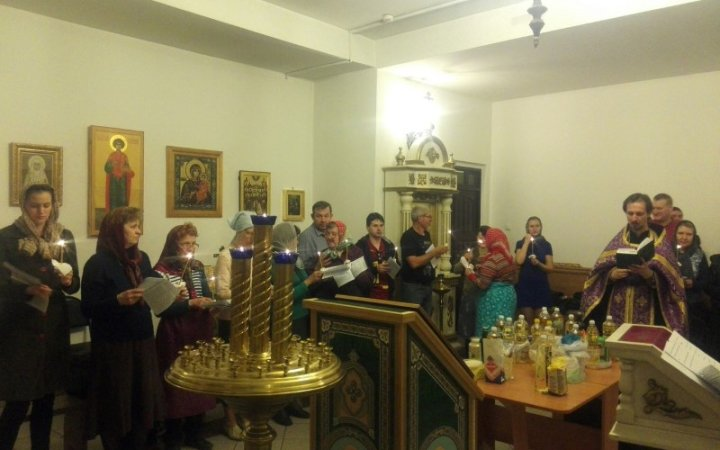 В Смоленской митрополии впервые совершена Божественная литургия на жестовом языке