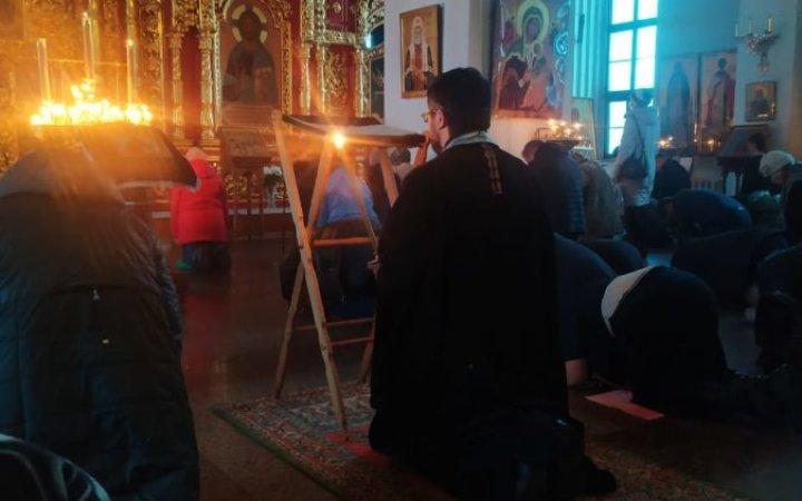 На великих повечернях началось чтение Покаянного Великого канона святого Андрея Критского