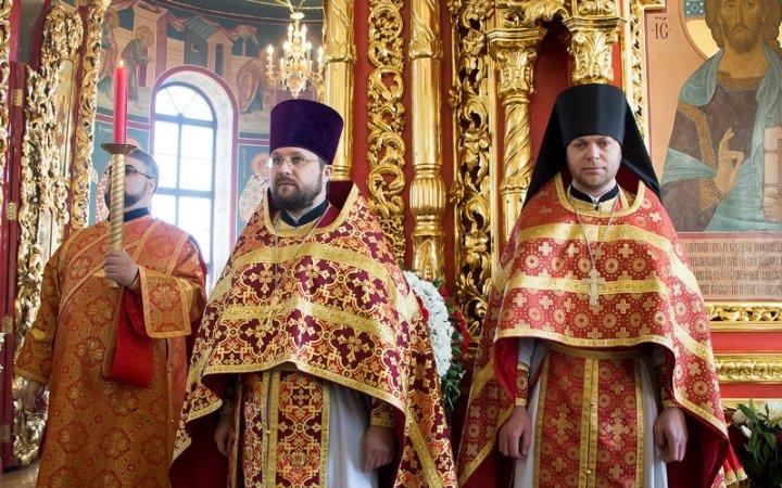 Архипастырское богослужение в Светлый понедельник в храме Новомучеников Церкви Русской