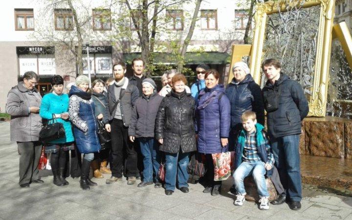 Члены  клуба  для глухих и слабослышащих «Глас» при храме свв.Новомучеников и  Исповедников Церкви Русской посетили Покровский монастырь в Москве.