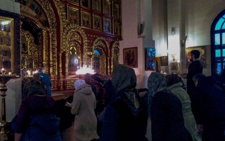 Чтение Великого покаянного канона прп. Андрея Критского в  храме Святых Новомучеников Российских