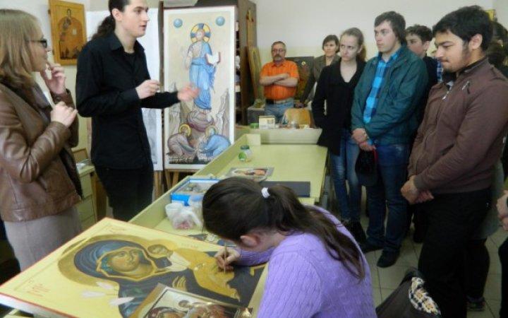 Воспитанники Смоленской специальной школы для глухих и слабослышащих детей в СМПДУ