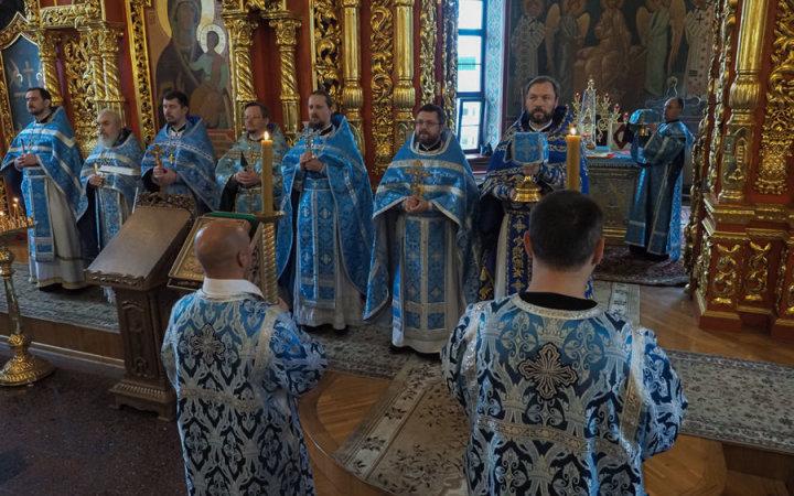 20 лет храму  Святых Новомучеников и Исповедников Церкви Русской и иерейской хиротонии настоятеля прихода протоиерея Валерия Рябоконь