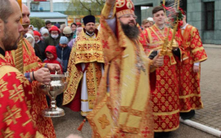Митрополит Исидор совершил Божественную литургию в храме Святых Новомучеников и Исповедников Церкви Русской