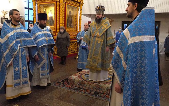 Архипастырское богослужение в храме Новомучеников и Исповедников Церкви Русской г. Смоленска